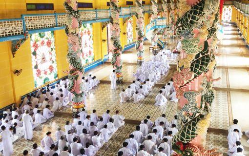 クチトンネル&タイニン(カオダイ教寺院)(ホーチミン発)