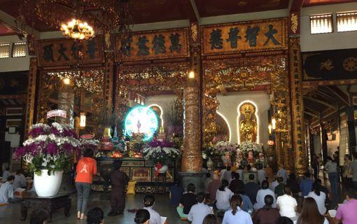 仏教寺院探訪とベトナム精進料理(ホーチミン発)