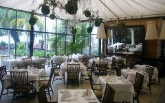 プランA:De Senceスパにて1時間のボディマッサージ+32レストランにてウエスタンのセットランチ(ラストデー・プラン (ペナン発))
