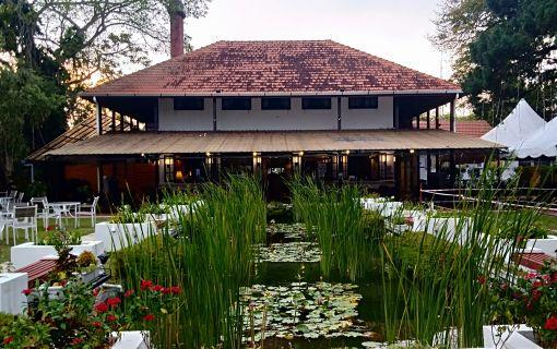 デラックスプラン ペナンヒル頂上の洋館で西洋料理ディナー(ペナンヒルと極楽寺ツアー)