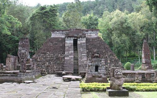 【ジャカルタ発】インドネシアの3大世界遺産ボロブドゥール遺跡、プランバナン遺跡、サンギラン初期人類遺跡を巡る2泊3日ツアー